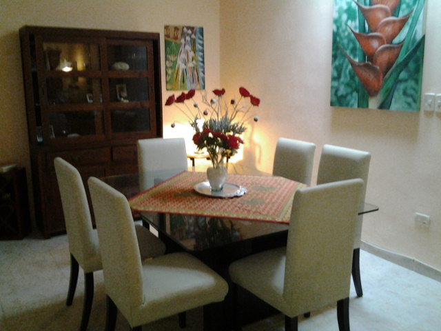 Formal dining area can be converted to a small office or bedroom.